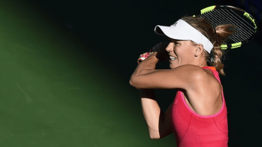 Caroline Wozniacki esmaga número um Muguruza em Tóquio e defronta Pavlyuchenkova na final