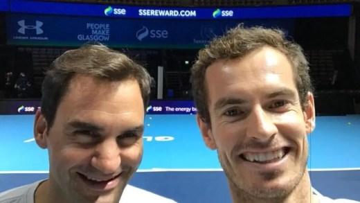 Roger Federer derrota Andy Murray em encontro solidário na Escócia