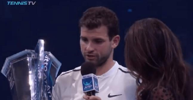 [VÍDEO] Dimitrov não se esqueceu de agradecer a ninguém. Nem à sua (famosa) namorada