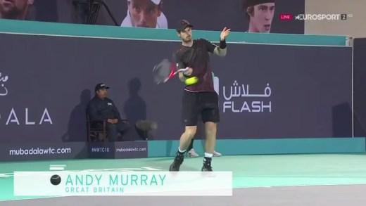 Murray substitui Djokovic mas passa o encontro a coxear e é arrasado por Bautista Agut