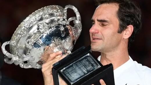 [VÍDEO] Federer desfaz-se em lágrimas no discurso: «Estou tão feliz, é inacreditável»