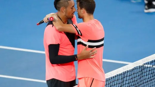 Kyrgios e as palavras a Dimitrov à rede: «Disse-lhe para acreditar em si mesmo. Já demonstrou que pode ganhar um Grand Slam»