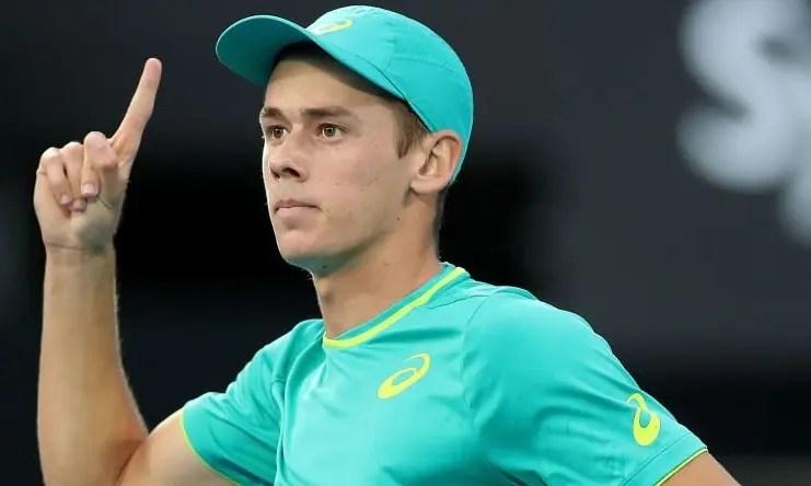 De Miñaur troca de raqueta e ganha novo patrocinador