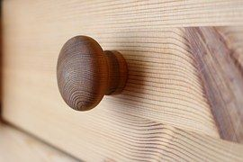 Wooden drawer with one knob
