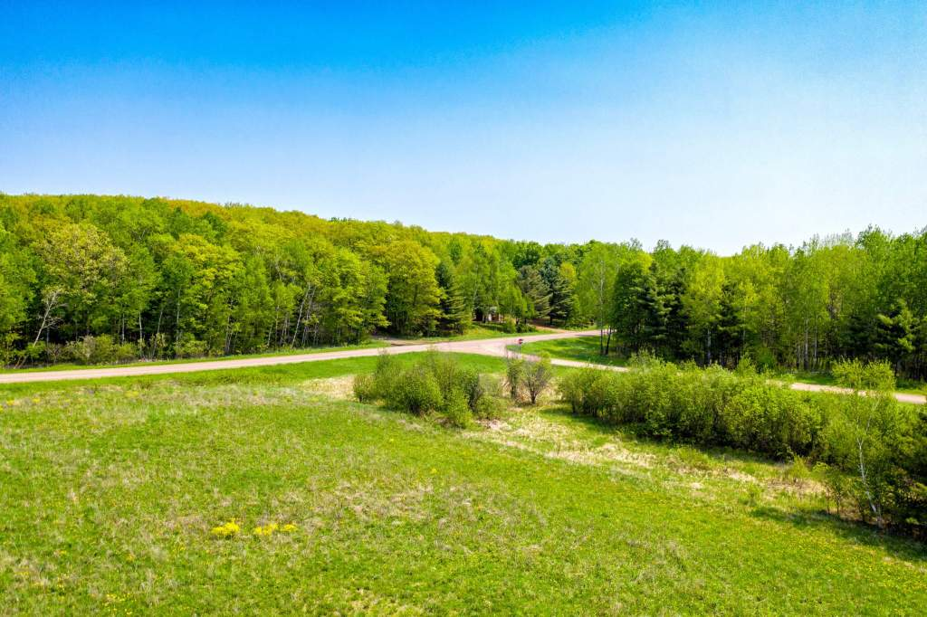 XXX-grassy-lake-rd-barronett (10)