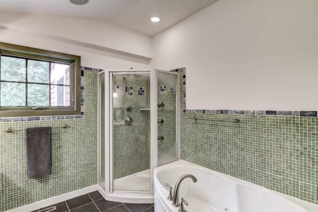 28-12b - Bathroom-1-e (Custom)