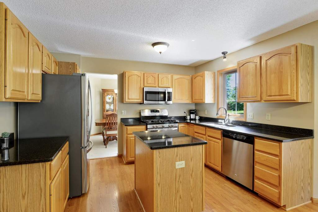 8202 Boulder Ridge Rd, Woodbury (13) (Custom)