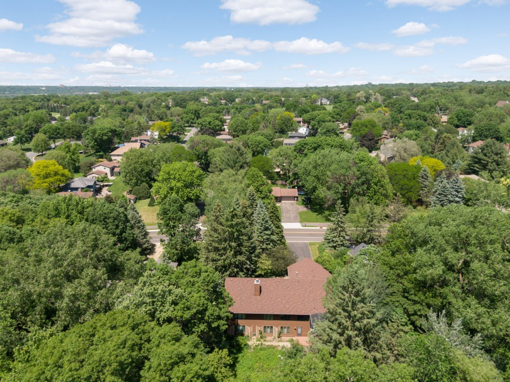 726 Marie Ave W, Mendota Heights (51) (Bold)