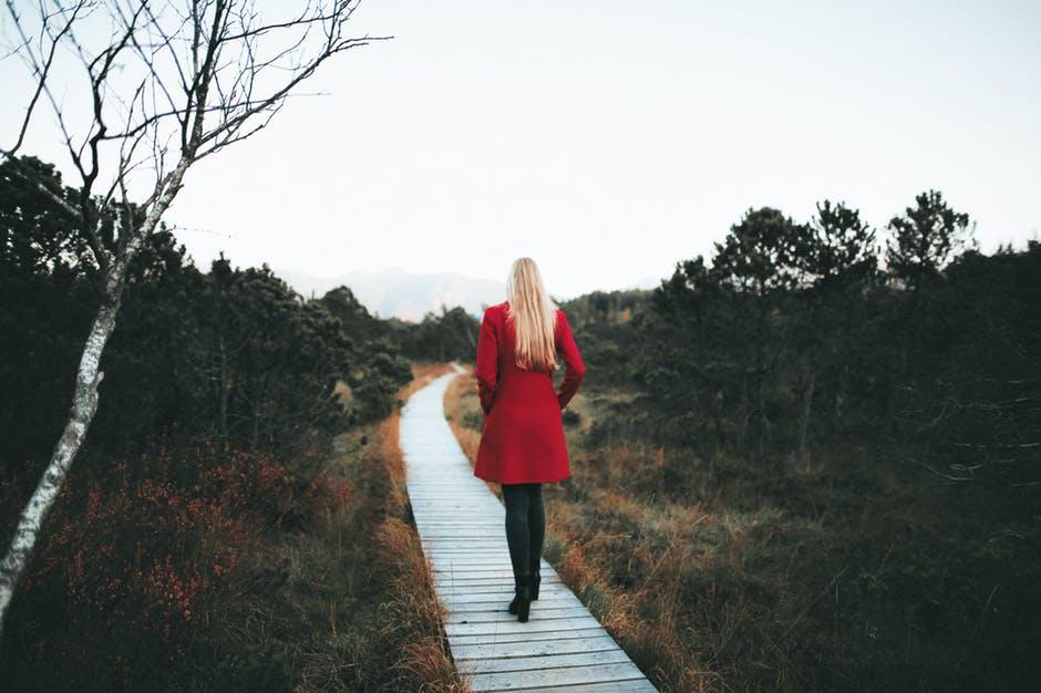 Hogyan döntsek a szeretőm és a társam között?