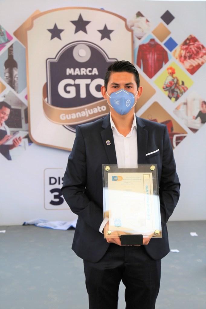 """Otorgan distintivo """"Marca GTO"""" a 73 empresas para impulsar el desarrollo económico de Guanajuato_02"""