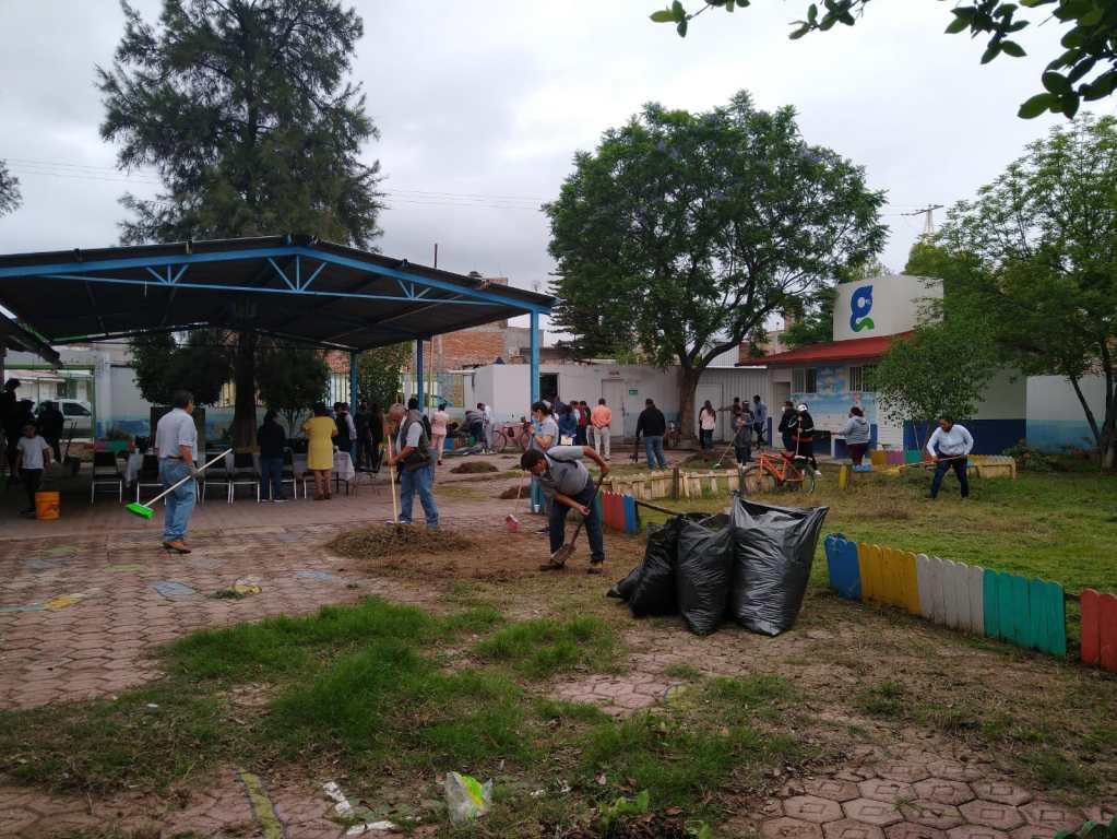 Escuelas de Celaya, en rehabilitación y limpieza_02