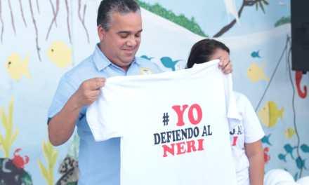 Alcalde pone el primer ladrillo para la reconstrucción de la I. E. San Felipe Neri en Olaya