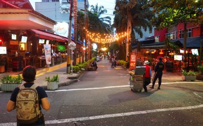 Viajando Sin Pasaporte a: Las Mejores Zonas Rosas de Medellín