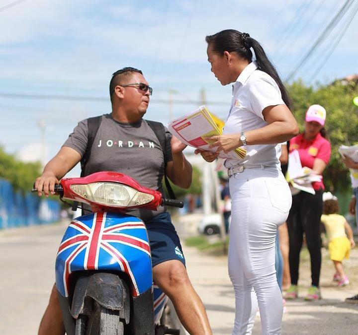 Yolanda Wong, incansable en los barrios de Cartagena