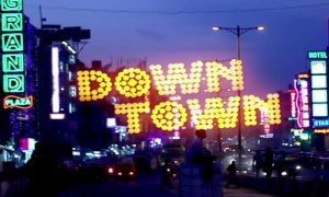 Down Town 2021 HDRip 550MB Hindi 720p Watch online Full Movie Download bolly4u