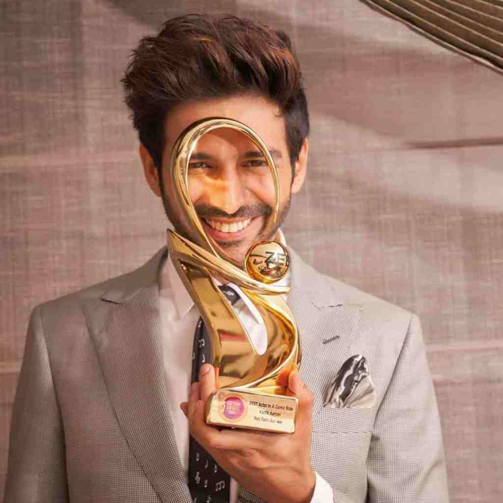 Kartik Aaryan Age, Biography, Family, Net Worth in 2020