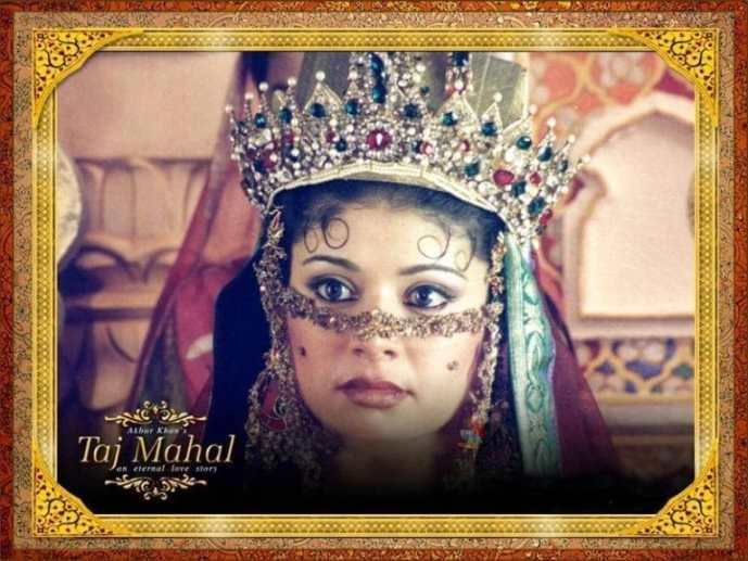Pooja-Batra-in-Taj-Mahal-movie