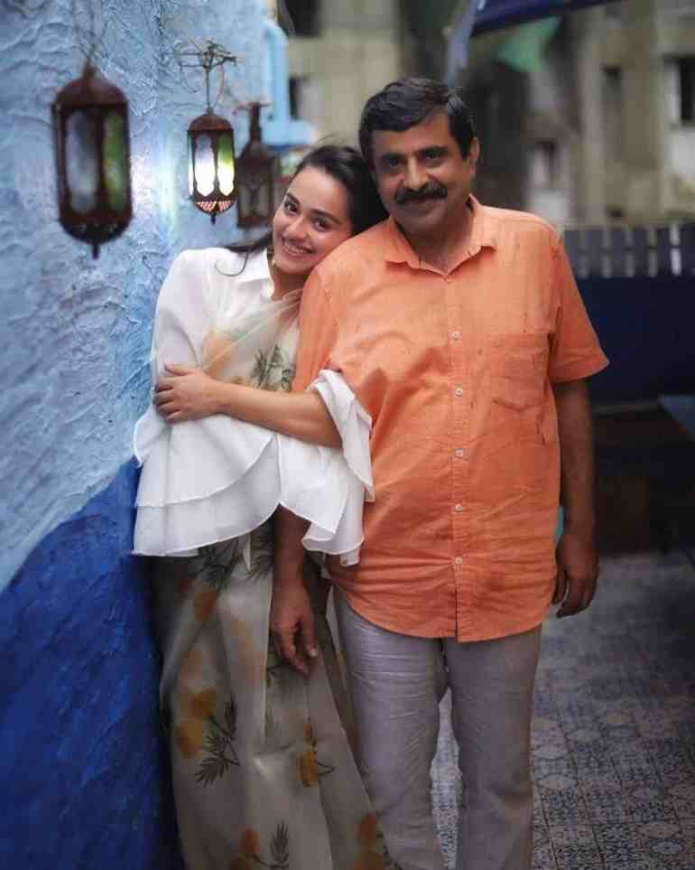 Apoorva Arora With her Father