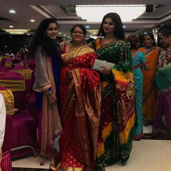 Sneha Wagh with Mother and Sister