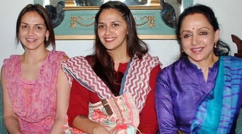 Sunny-Deol-family-photos-half-sisters-Esha-Deol-and-Ahana-Deol