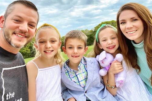 Matt-Carriker-with-childrens-and-wife