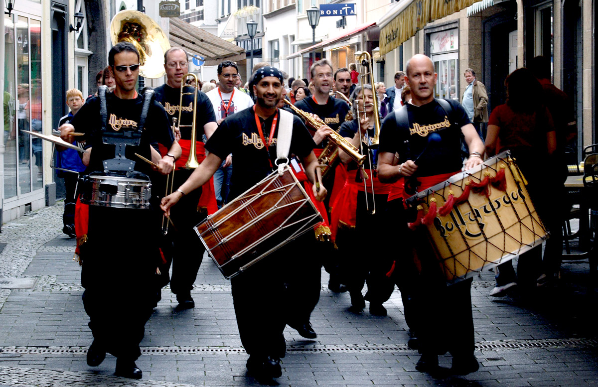 bollywood-brass-band–sliders–book-us–street–004