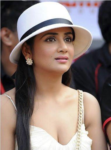 Actress Parul Yadav In Support Of Rhea Ragini and Sanjjanaa