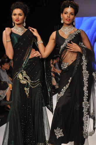 48 Models wearing an JASHN outfits at IIJW 2012