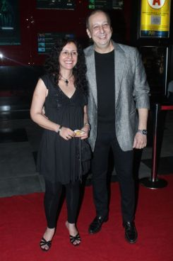 Shernaz Patel & Sohrab Adeshir at the Red Carpet of 'Love, Wrinkle-Free' premiere at PVR, Phoenix..