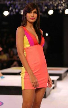 Blender's Pride Fashion Tour 2012 SANKET SAVALIYA (11)