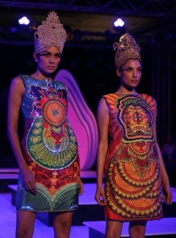 Blender's Pride Fashion Tour 2012 SANKET SAVALIYA (14)