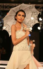 Blender's Pride Fashion Tour 2012 SANKET SAVALIYA (3)