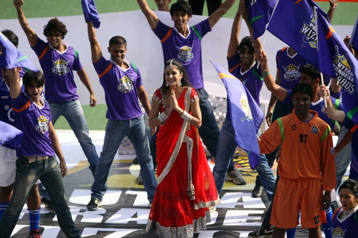 Katrina Kaif performance during UP Wizards and Delhi Waveriders Match at Lucknow on 19th Jan 2013 (1)