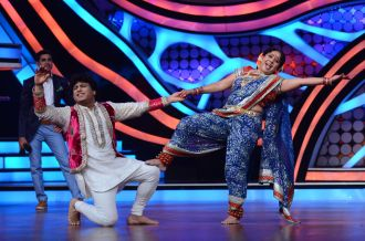 Arvind and Bhabho dancing in slow motion on Pehla Nasha on Nach Baliye-5. catch them this Saturday at 9 pm only STAR Plus