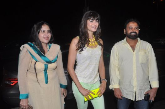 Pooja Batra with Mr. Mansoor Ahmed Siddiqui at the launch of Ovais & Uzair Queraishi's Yoko Sizzlers..,