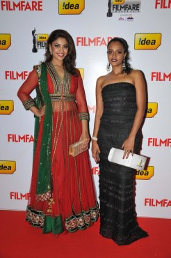 Richa Gangopadhyay & Sonia on the Red Carpet of '60the Idea Filmfare Awards 2012(South)