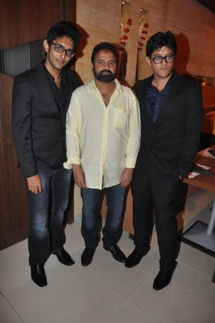 Uzair & Ovais Queraishi with Mr. Mansoor Ahmed Siddiqui at the launch of their new venture of Yoko Sizzlers