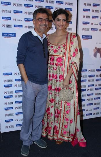 Khalid Mohammed and Sonam Kapoor presents Little Big People at 15th Mumbai Film Festival (6)