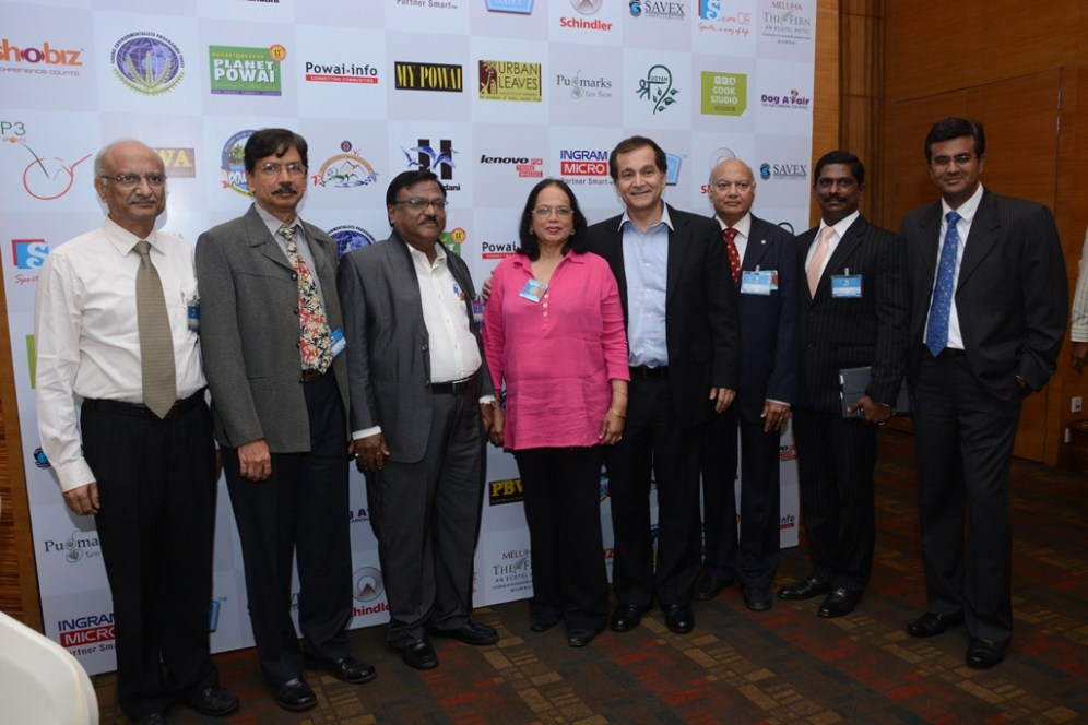 Mr.Jaishankar(RCBP), Mr.Vivek(RCBP), Mr.Ashok(RCBP), Ms.Subraidu(District Governor - Rotary), Mr. S Hiranandani (MD-Hiranandani), Mr. Vanamalli R (R