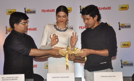 Editor Jitesh Pillaai , Deepika Padukone & Farhan Akhtar launched the 59th Idea Filmfare Awards Special issue at JW Marriott.13