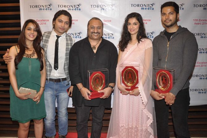 Priti Sharma, Sidhant Singh, Leslie Lewis, Divya Kumar Khosla & Prashantt Guptha at the '10th Excellence National Best Debutante Awards 2014'