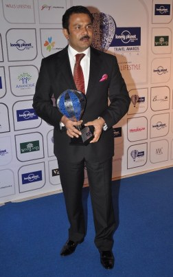 Winners with the Trophy at the Blue carpet of 'The Lonely Planet Magazine India Travel Awards 2014'