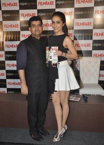 Jitesh Pillaai (Editor, Filmfare) & Shraddha Kapoor at the Filmfare Magazine cover launch at Reliance Digital, Prabhadevi.9