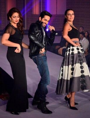 Celebs performing on Ayushman Khurana's songs at the 'Femina Style Diva 2014' finale
