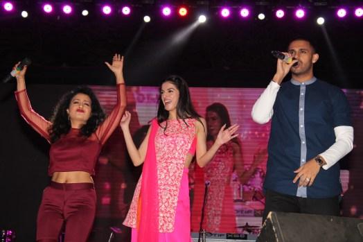 L-R Neha Kakkar, Divya Khosla Kumar and Jaz Dhami