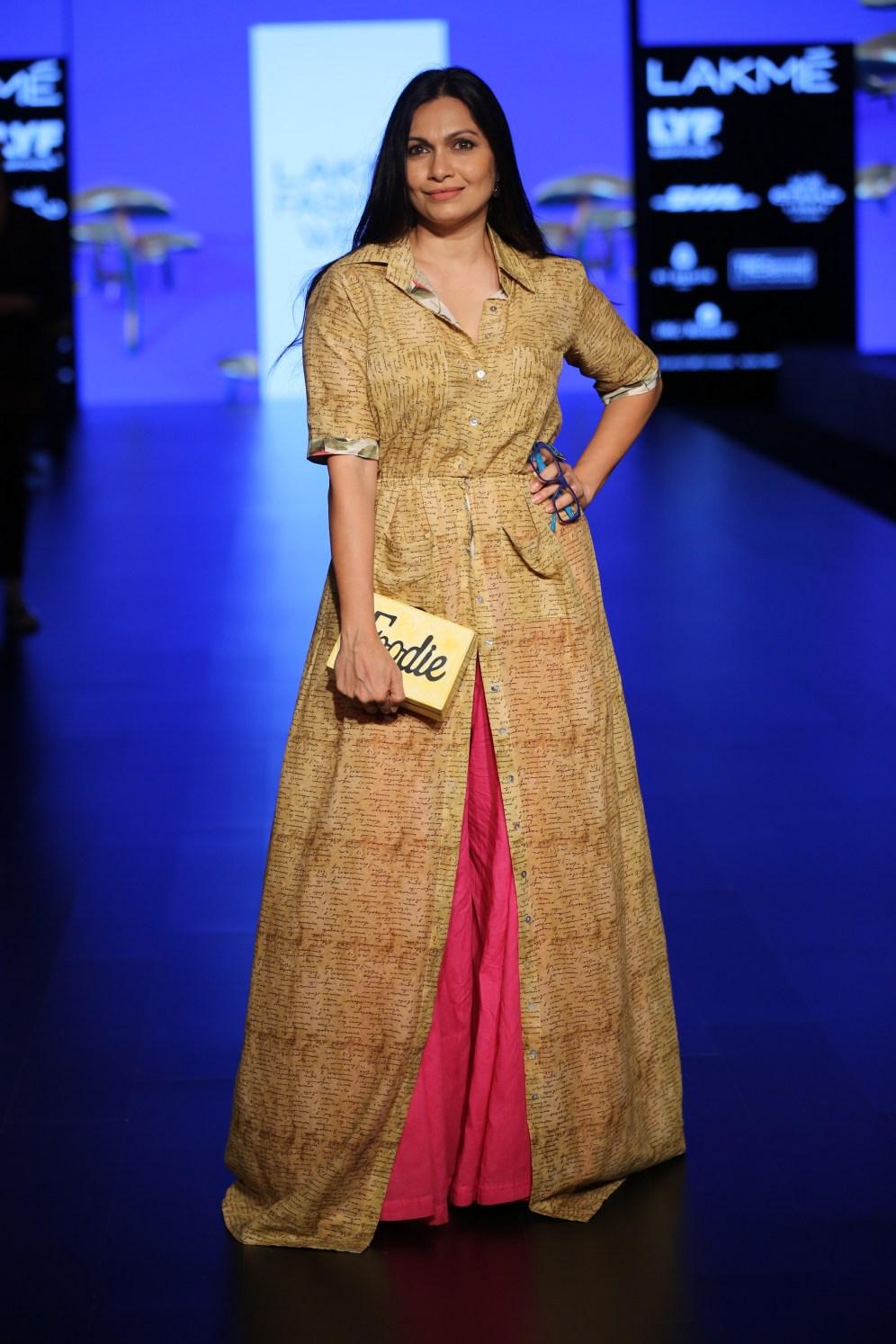 01.Maria Goretti Warsi for Designer Aartivijay Gupta @Lakme Fashion Week Winter-Festive 2016