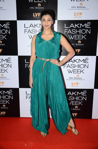 02.Daisy Shah for Designer Eshaa Amiin @Lakme Fashion Week Winter Festive 2016