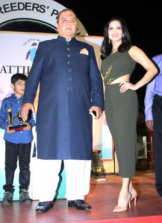 kishore-dhingra-with-sunny-leone-attends-the-atilla-million-race-by-him