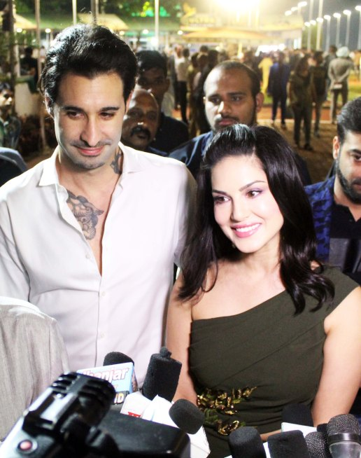 sunny-leone-with-husband-attends-the-atilla-million-race-by-kishore-dhingra_