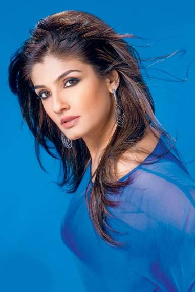 bollywood-red-raveena-tandon